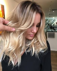 Blonde Balayage is a uniquely interesting technique that stylists use to give you a hair color that Balayage Blond, Hair Color Balayage, Ombré Hair, New Hair, Hair Romance, Hair Color And Cut, Good Hair Day, Pretty Hairstyles, Summer Hairstyles