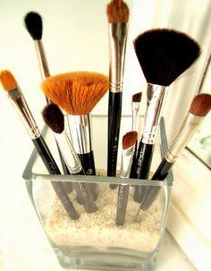 makeup brushes {organizing & investing}