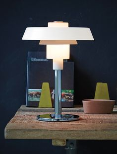 Herstal lighting - Lampe à poser Loft House, White Table Lamp, Cool Floor Lamps, Danish Design, Sweet Home, Living Room, Retro, Lighting, Wood