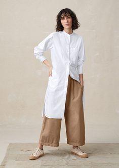 Cotton poplin tops, easy jersey tees, silk tops, smart shirts and boxy smocks. Arab Fashion, Mod Fashion, Minimal Fashion, Sporty Fashion, Fashion Outfits, Womens Fashion, Middle Eastern Fashion, Hijab Style, Modesty Fashion