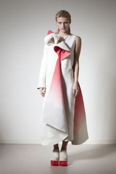 Wearable Art - fluid sculptural shapes, textured fabric & sharp contrasting colours; 3D fashion // Min Wu