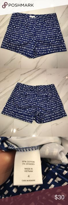 """💙✨CHIC BLUE AND WHITE SHORTS✨💙 💙✨Chic blue and white New York & Company 4"""" shorts. ✨💙 New York & Company Shorts"""