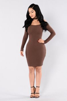 - Available in Chocolate and Hunter Green - Off Shoulder Dress - Ribbed - Long Sleeve - Attached Choker - Lined - Midi Length - 95% Polyester 5% Spandex