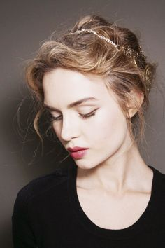 inspiration | loose updo with halo