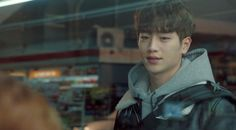 Baek In Ho, who cared for everyone and always carried a pain behind his sweet smiles. This scene is where he caught Hong Seol avoiding him by eating noodles at a convience store.