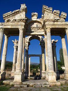 Tetrapylon (entrance gate to Aphrodisias) - Turkey