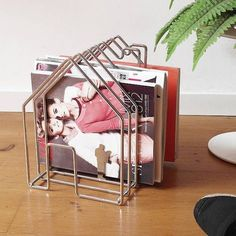 The WireHouse by Invotis Orange comes as a fresh approach to storing your magazines and doesn't look anywhere close to standard magazine racks. You Magazine, Magazine Racks, Boys Room Design, Letter Holder, Draw On Photos, Vases, Fun At Work, Kidsroom, Home Look