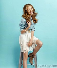 g hannelius Dog With a Blog is an American on Disney Channel on October 12, 2012. Stan el perro blogero en Latinoamerica.