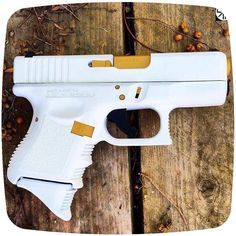 Glock personally distinguished as the White Daniella Arsenal, Weapons Guns, Guns And Ammo, Fire Machine, Armas Ninja, Custom Guns, Fire Powers, Cool Guns, Tactical Gear