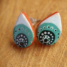 Ethno Ohrringe aus clay, mit den Farben Weiß und Grüntönen, Türkis Ohrringe…