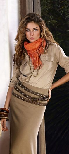 Ralph Lauren Blue Label Spring 2012 - tan top, beige skirt, brown belt, and an orange scarf. I have all of these pieces! Mode Safari, Safari Chic, Look Fashion, High Fashion, Womens Fashion, Brown Fashion, Looks Style, My Style, Fashion Vestidos
