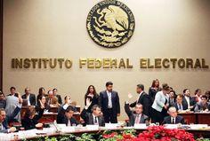 Sin agendar previamente, y en unas cuantas horas, elaboró un proyecto de sentencia y salvó a Fernando Larrazábal, el cuestionado alcalde de Monterrey, de sufrir las consecuencias de un desacato a la orden de otro tribunal, que no es jerárquicamente inferior al Trife.