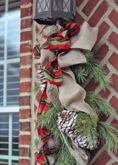 christmas decorating ideas with traditional style, christmas decorations, seasonal holiday decor