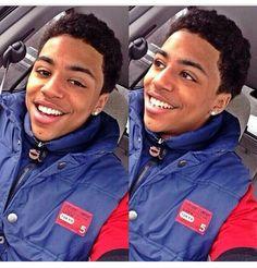 Very cutehe has a pretty smile☺ Cute Black Guys, Black Boys, Cute Guys, Fine Black Men, Fine Men, Pretty And Cute, Pretty Boys, Lucas Coly, Bae