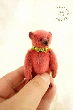 Suki, Miniature 7 cm Artist Teddy Bear from Aerlinn Bears