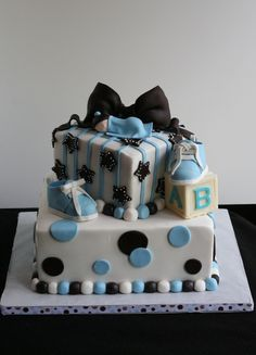 Baby shower cake for a baby boy