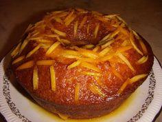Receitas de Portugal Bolo de Laranja molhadinho Receita : 4 ovos açúcar-250gr. farinha-300gr. meia chávena de óleo raspa de uma laranja 1 colher de sobremesa de fermento 1 chávena de sumo de laranja ( 2 laranjas ) Começar por bater as claras em castelo e ir adicionando pele seguinte ordem: açúcar, gemas, óleo, sumo da laranja, raspa e por fim a farinha . Vai a cozer a 180º em forno pré aquecido durante 25 minutos mais ou menos. Calda : 1 chávena de sumo de laranja ( 2 laranjas ) 150 gr. de…