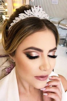 45 Wedding Make Up Ideas For Stylish Brides ❤ wedding makeup classical elegant. - - 45 Wedding Make Up Ideas For Stylish Brides ❤ wedding makeup classical elegant in peach tones with black arrows makeup. Wedding Eye Makeup, Natural Wedding Makeup, Bridal Hair And Makeup, Wedding Hair And Makeup, Bridal Beauty, Natural Makeup, Makeup For Brides, Bride Eye Makeup, Bridal Makeup For Green Eyes