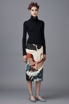 Valentino Pre-Fall 2016 Collection Photos - Vogue the skirt seems a little orientalistic. I really need white ppl in the fshion industry to, like, not do that.