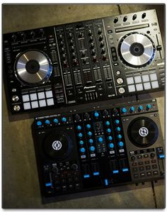 Pioneer DDJ-SX Controller for Serato DJ and Traktor S4 controller for Traktor