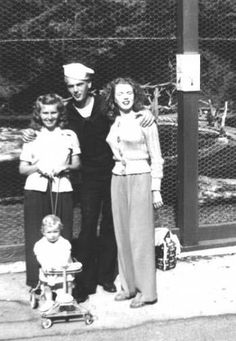 Norma Jeane with friends at Catalina Island, 1943.