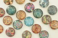 Complement a plain magnetic board or memo board with this unique paisley round glass magnets to attract plenty of attention. Featuring rich earthy colors and high quality craftsmanship, it is a functional and aesthetic piece thats not to be missed. The glass cabochon is glued onto a super strong and superior rare earth magnets which can hold 10x stronger than their ceramic counterparts. How to order?  Under the option menu, select the quantity (8, 12, 20) you need. Glass Diameter: 3/4 inch…