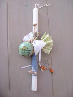 Λαμπάδα με ξύλινο ζωγραφιστό γιο-γιο Easter Ideas, Easter Crafts, Diwali Craft, Xmas, Christmas Ornaments, Candle Sconces, Projects To Try, Wall Lights, Candles