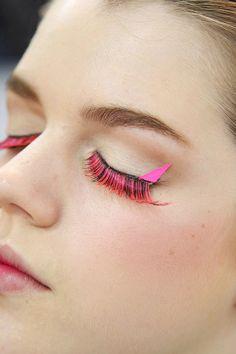 pink eye lashes!