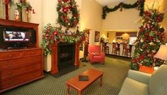The Inn at Christmas Place - This 145 room four-star hotel is located directly across the Parkway from its namesake, The Incredible Christmas Place.