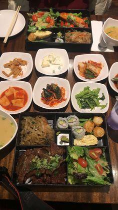 Korean Street Food, Korean Food, Chinese Food, Around The World Food, Food Cravings, Food Presentation, I Foods, Delish, Food Photography
