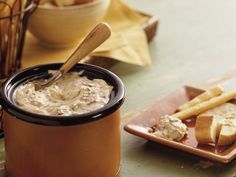 Slow Cooker Smoky Bacon and Horseradish Dip