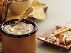 Slow Cooker Smoky Bacon and Horseradish Dip