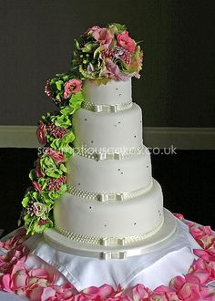 https://flic.kr/p/8rDKen   Wedding Cake (652) - Piped Dots & Fresh Flower Cascade