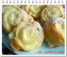 Dnes pro vás mám nachystaný recept na rychlé domácí pečení. Pudinkoví šneci z listového těsta se díky receptům LH staly hitem pečení v ... Doughnuts, Garlic, Sweets, Snacks, Vegetables, Recipes, Pastries, Blog, Decor