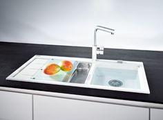 Possible ou impossible ? Un robinet de salle de bains dans une cuisine. Et vice versa. Photo: www.hansgrohe.be (évier)