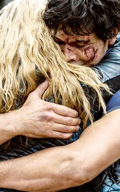 The Bellarke hug was just absolutely perfect on so many levels
