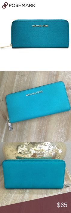 0efca991fb049f Michael Michael Kors Jet Set Continental Wallet In EUC. Very clean. Looks  more like