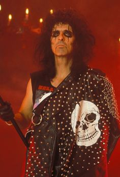 Anything & everything Alice Cooper Detroit, Heavy Metal Rock, Alice Cooper, Music Icon, My Favorite Music, Rock Music, Hard Rock, Rock And Roll, Christmas Sweaters