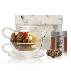Tea for One Flowering Tea Set - Glass Teapot with Infuser (450ml) - Glass Cup and Saucer (250ml) - Sampler Tin of Blooming Tea - Handmade Gift Box: Amazon.co.uk: Kitchen & Home