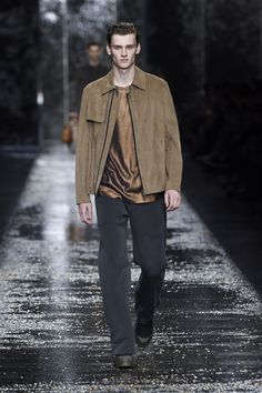 Look number 1 from the Fendi men's SS16 collection