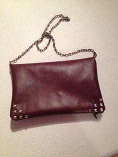 Bag with metal chain
