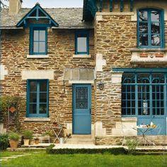 Porte d'entrée : aides, crédit d'impôt et TVA Sims 4 Houses, Architecture Details, Architecture Renovation, French Farmhouse, House Rooms, My Dream Home, My House, Beautiful Homes, House Plans