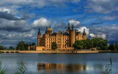 City Wallpaper, Colorful Wallpaper, Desktop Pictures, Palace, Cities, Beautiful Places, Castle, Germany, Sunset