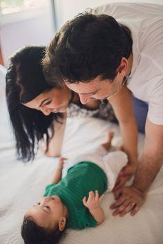 Depois de fotografar a Deidi e o Rodrigo gravidíssimos, agora foi a vez de conhecer o Heitor e fotografar essa família linda. Ele já está com 4 meses e hoje é um dia super especial, pois é aniversário da mamãe Deidi. Um registro eterno desse momento especial.  www.tassilacosta.com.br
