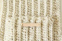 Warme ribbelsjaal met zakken (gratis patroon)