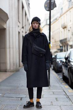 Rue Saint Honoré, Paris (The Sartorialist) Look Fashion, Winter Fashion, Fashion Outfits, Paris Fashion, Cool Outfits, Workwear Fashion, Preppy Outfits, 50 Fashion, Girly Outfits