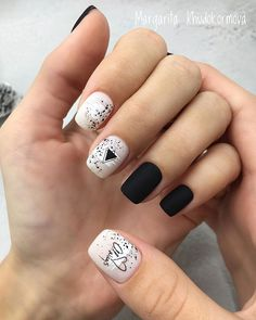The advantage of the gel is that it allows you to enjoy your French manicure for a long time. There are four different ways to make a French manicure on gel nails. Square Acrylic Nails, Square Nails, Acrylic Nail Designs, Nail Art Designs, Nails Design, Fancy Nails, Cute Nails, My Nails, Hair And Nails