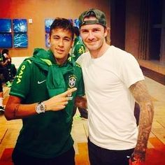 Neymar Jr and David Beckham to much sexy in one picture, I'm going to marry a soccer player David Beckham, Neymar Jr, Brazilian Soccer Players, Soccer Quotes, Women's World Cup, Champions, Barcelona, Celebs, Celebrities