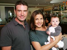 The Scandal star Scott Foley pictured with wife Marika and daughter Mali Scott Foley Wife, Marika Dominczyk, Watch Tv Shows, Star Pictures, Expecting Baby, Me Tv, Jennifer Garner, Celebrity Babies, Celebs