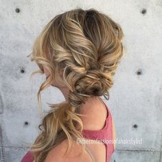 Twisty and curly side pony   we ❤ this!